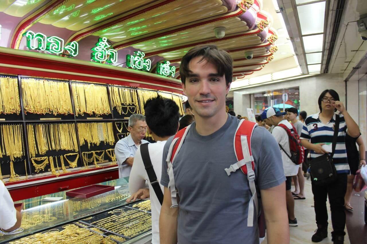 Tem MUITO ouro em Chinatown